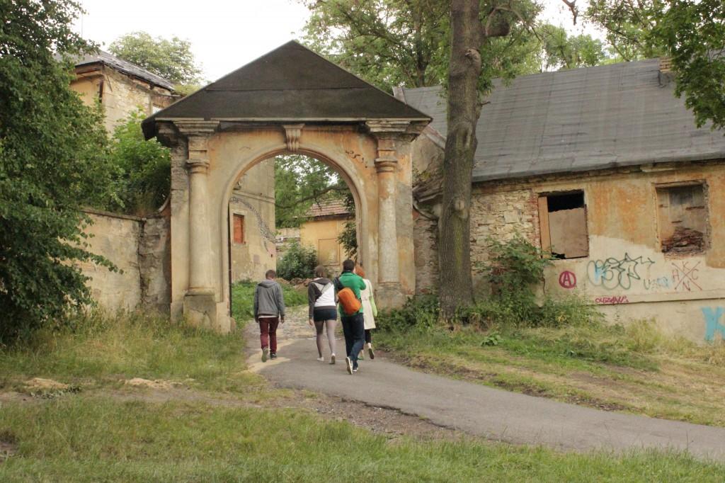 Ruins outdoor 2