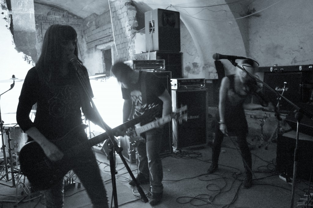 Ruins live 6