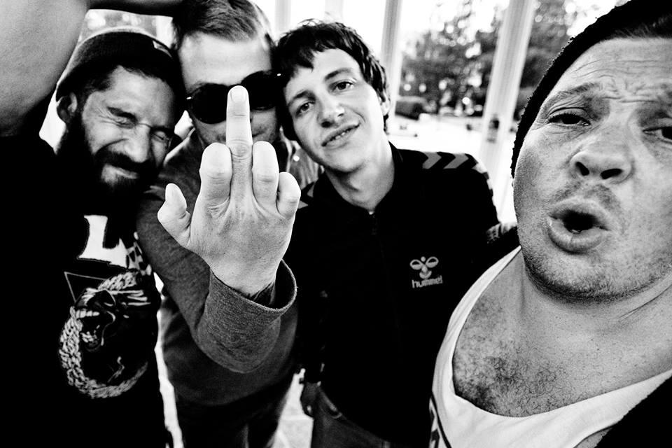 Pop med fuckefing.  Foto: Rat Miller